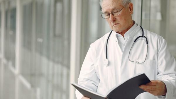 médecins.jpg